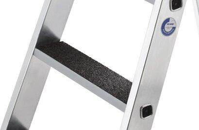Nachrüstsatz clip-step R13 Trittauflage Rutschhemmung für Aluminium-Stehleiter