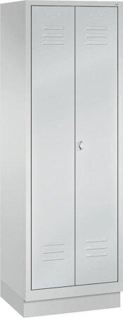 Garderobenschrank mit Sockel, mit paarweise zueinanderschlagenden Türen